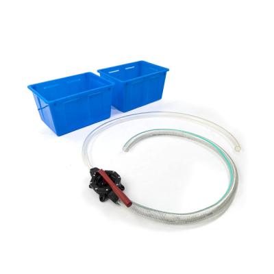 Pomp plus waterreservoir voor zand- en watertafels